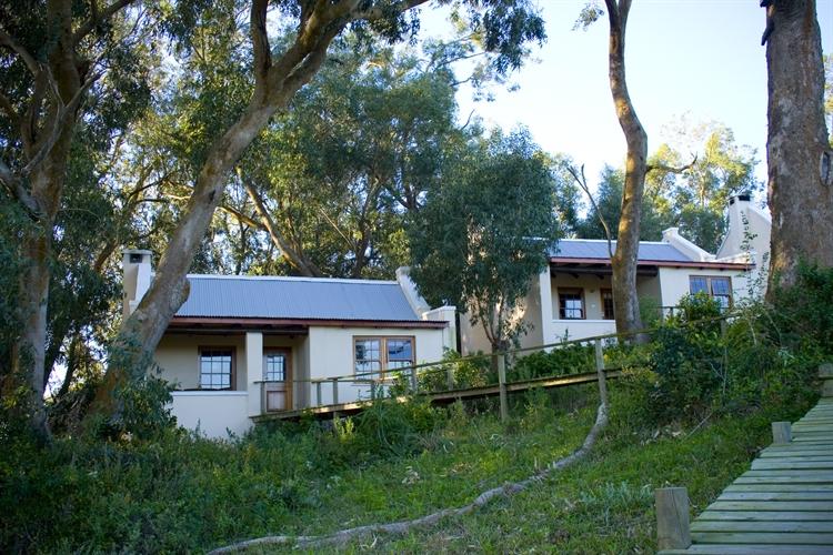 lodge on coastal reserve - 11