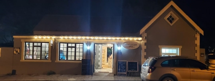 popular family restaurant greyton - 4