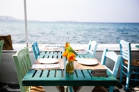 iconic seaside restuarant cocktail - 1