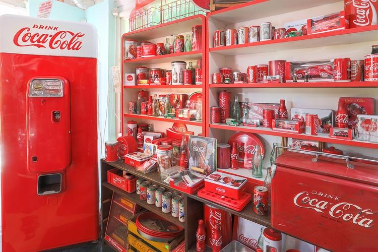 vintage collectible store hermanus - 9