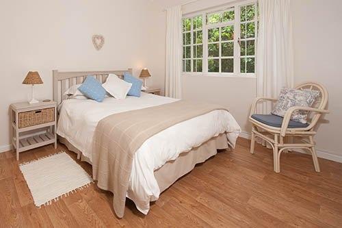 established guest house hermanus - 6