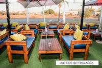luxury lounge restaurant rosslyn - 1