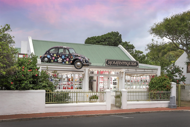 vintage collectible store hermanus - 12