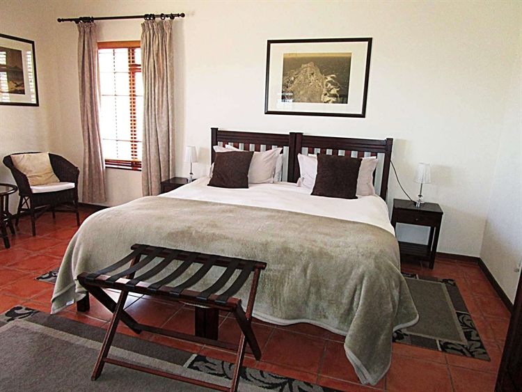popular four star guesthouse - 10