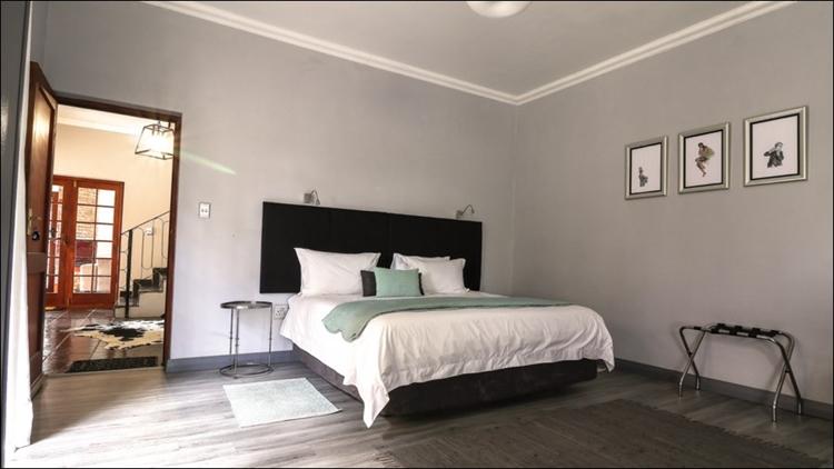 sixteen bedroom guest house - 7