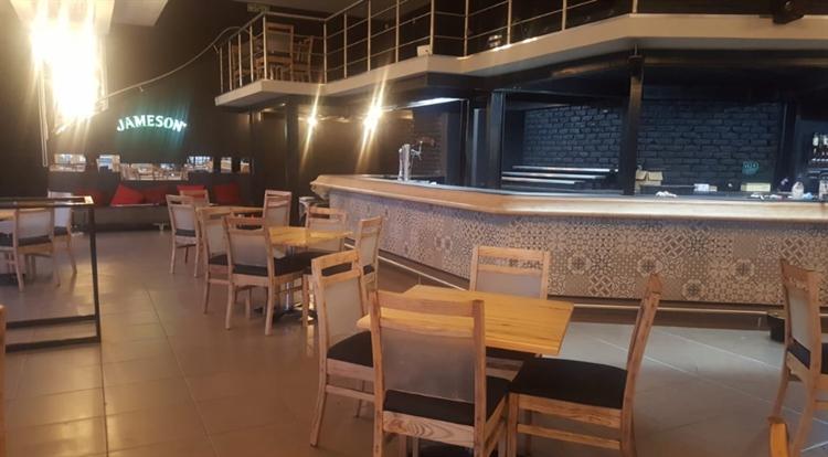 well run restaurant bar - 5