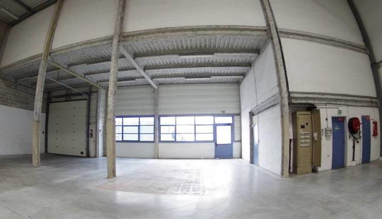 industrial space of 473m2 - 6