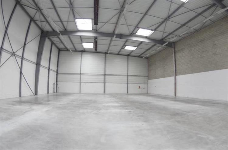 industrial space of 473m2 - 5