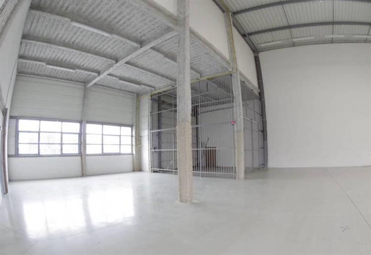 industrial space of 473m2 - 9