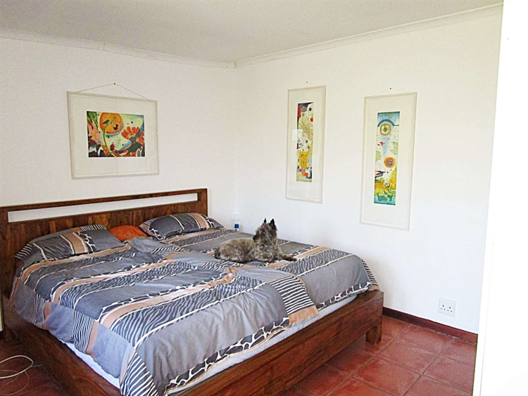 popular four star guesthouse - 13